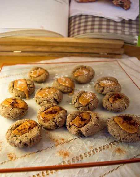 Gingerbread Thumbprint Cookies with Peanut Butter | mygutfeeling.eu #glutenfree #dairyfree #eggfree