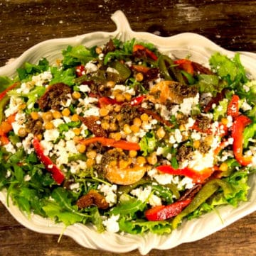 Crowd-Pleasing Mediterranean Salad | mygutfeeling.eu