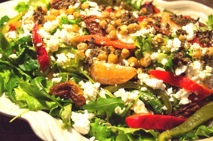 Crowd-Pleasing Mediterranean Salad Recipe