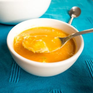 Coconut Ginger Pumpkin Soup with Shaved Brussels Sprouts | mygutfeeling.eu