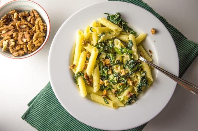 Creamy Pasta w/ Sauteed Spinach, Ricotta and Walnuts #lowfodmap #glutenfree / mygutfeeling.eu