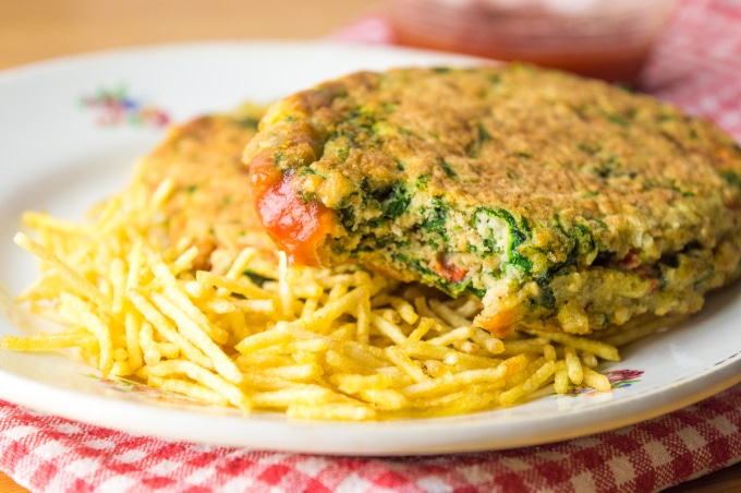 This quick and easy low FODMAP Veggie Burgers recipe is great for a packed lunch!